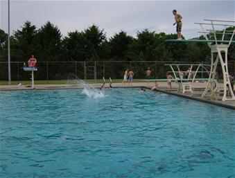 Dankwardt park swimming pool burlington ia for Aldershot swimming pool burlington